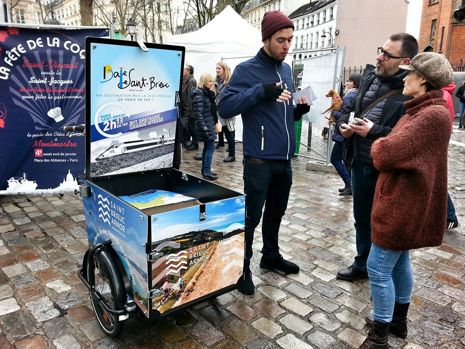 Distribution de flyers et de goodies à Paris