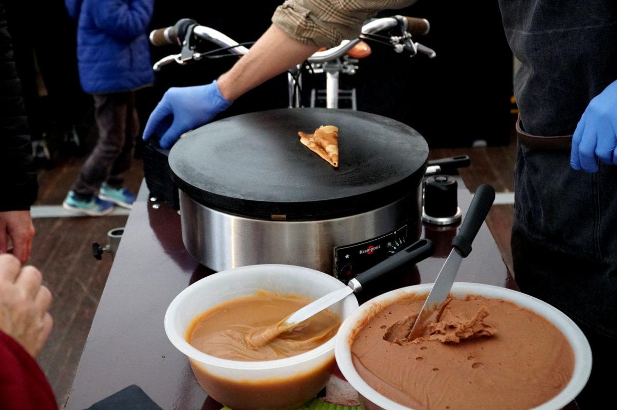 Traiteur crêpes avec chocolat & caramel maison